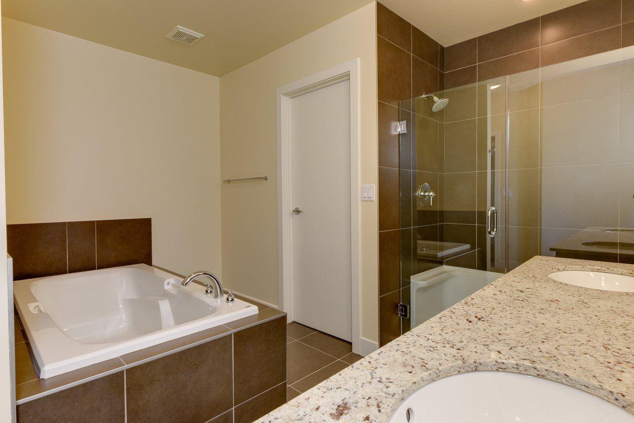 Photo 13: Photos: 601 11933 JASPER Avenue in Edmonton: Zone 12 Condo for sale : MLS®# E4233069