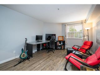 """Photo 6: 114 10533 UNIVERSITY Drive in Surrey: Whalley Condo for sale in """"Parkview Court"""" (North Surrey)  : MLS®# R2612910"""