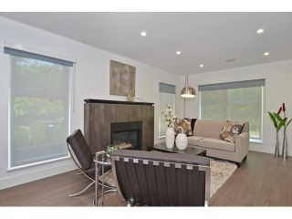 """Photo 2: 598 W 24TH Avenue in Vancouver: Cambie House for sale in """"DOUGLAS PARK"""" (Vancouver West)  : MLS®# V1125988"""