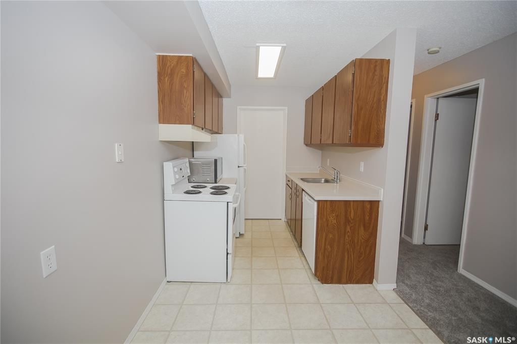Photo 7: Photos: 101 411 Tait Court in Saskatoon: Wildwood Residential for sale : MLS®# SK834232
