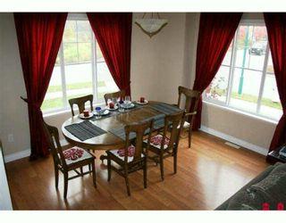 "Photo 3: 36106 SHADBOLT Avenue in Abbotsford: Abbotsford East 1/2 Duplex for sale in ""AUGUSTON"" : MLS®# F2924386"