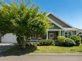 Photo 1: 9 737 Royal Pl in COURTENAY: CV Crown Isle Row/Townhouse for sale (Comox Valley)  : MLS®# 793870