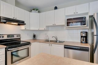 Photo 8: 164 SIMCOE Place SW in Calgary: Signal Hill Row/Townhouse for sale : MLS®# C4271503