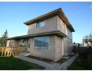 Photo 1: 53 RADCLIFFE Close SE in CALGARY: Radisson Heights Residential Attached for sale (Calgary)  : MLS®# C3346576