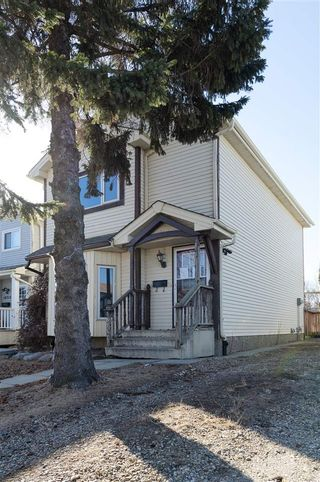 Photo 2: 18717 95A Avenue in Edmonton: Zone 20 House for sale : MLS®# E4235795