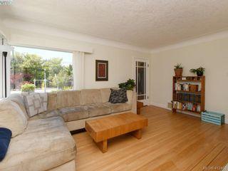 Photo 4: 2551 Foul Bay Rd in VICTORIA: OB Henderson House for sale (Oak Bay)  : MLS®# 817904