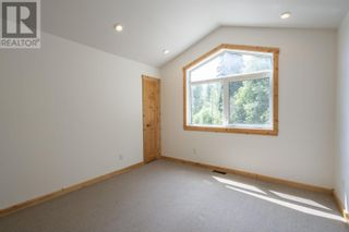 Photo 25: 25890 FIELD ROAD in Prince George: House for sale : MLS®# R2602085
