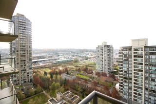 "Photo 9: 1701 4250 DAWSON Street in Burnaby: Brentwood Park Condo for sale in ""OMA2"" (Burnaby North)  : MLS®# R2324594"