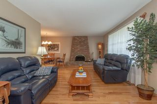 Photo 5: 1039 Hunterdale Place NW in Calgary: Huntington Hills Detached for sale : MLS®# A1144126