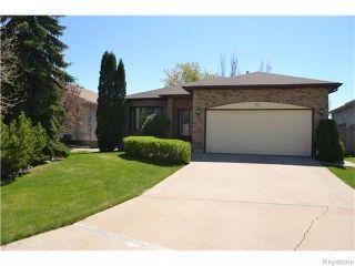 Photo 1: 71 Huntingdale Road in Winnipeg: River Heights / Tuxedo / Linden Woods Residential for sale (South Winnipeg)  : MLS®# 1613106
