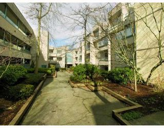 "Photo 9: 407 1345 COMOX Street in Vancouver: West End VW Condo for sale in ""TIFFANY COURT"" (Vancouver West)  : MLS®# V755728"