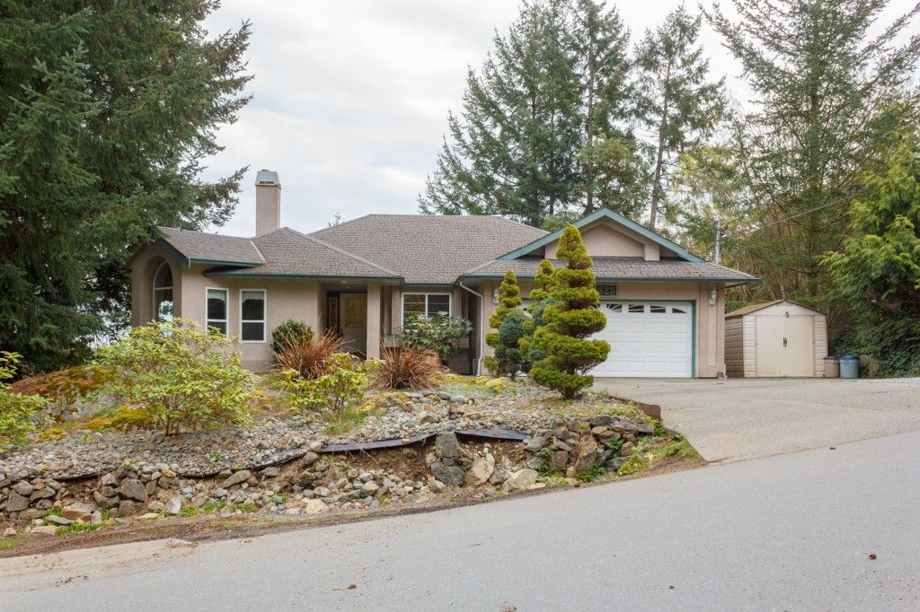 Main Photo: 923 Whisperwind Pl in VICTORIA: La Florence Lake House for sale (Langford)  : MLS®# 756428