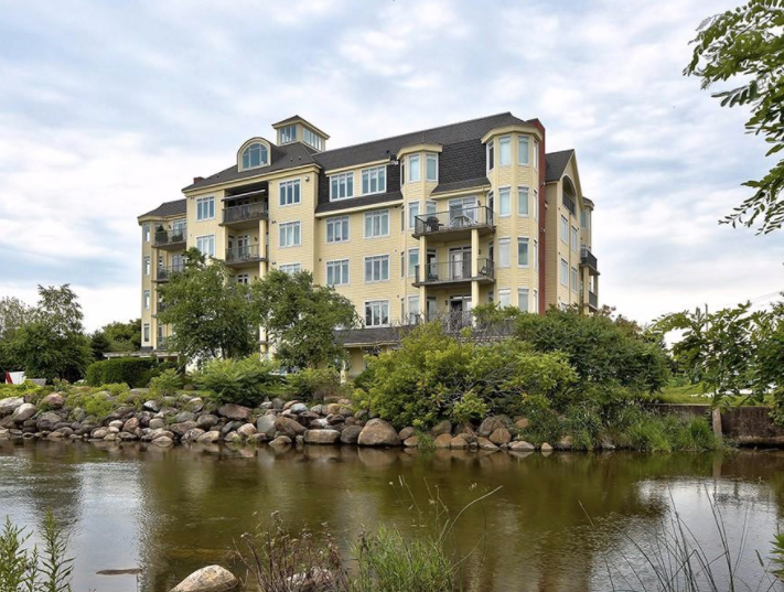 FEATURED LISTING: PH5 - 5 Bay Street East The Blue Mountains