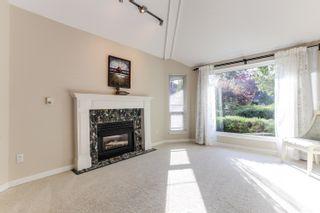 "Photo 3: 5399 BRIGANTINE Road in Delta: Neilsen Grove House for sale in ""MARINA GARDENS"" (Ladner)  : MLS®# R2401253"