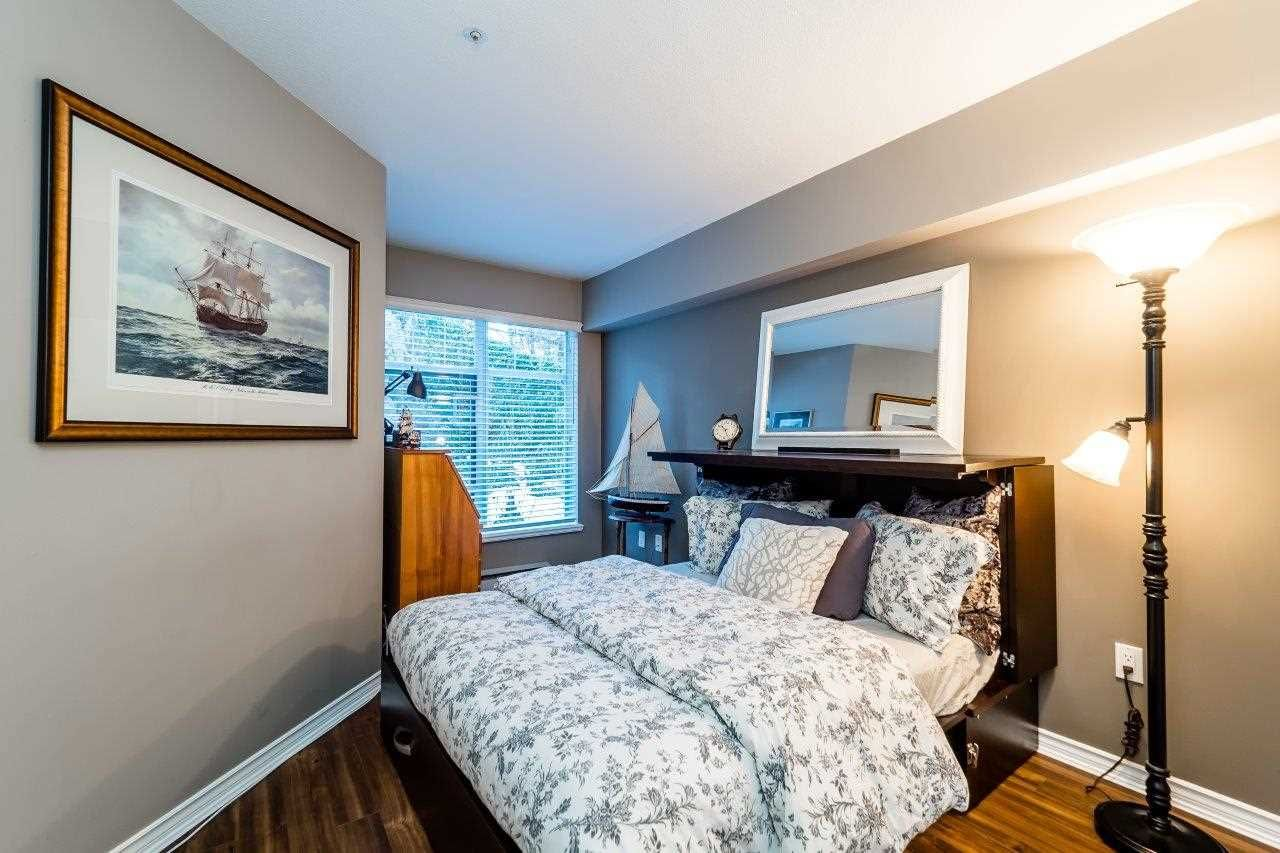 """Photo 5: Photos: 107 1140 STRATHAVEN Drive in North Vancouver: Northlands Condo for sale in """"Strathaven"""" : MLS®# R2131232"""