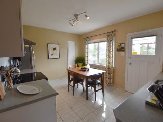 Photo 4: 2812 ADANAC Street in Vancouver: Renfrew VE House for sale (Vancouver East)  : MLS®# R2173673