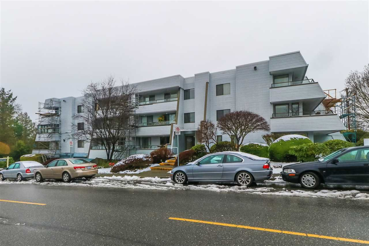 "Main Photo: 210 1341 GEORGE Street: White Rock Condo for sale in ""OCEAN VIEW"" (South Surrey White Rock)  : MLS®# R2435728"