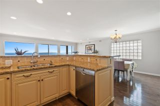 "Photo 13: 15414 VICTORIA Avenue: White Rock House for sale in ""White Rock"" (South Surrey White Rock)  : MLS®# R2568004"