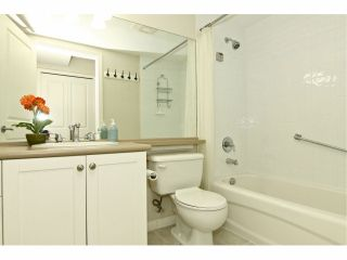 """Photo 12: 301 8880 202ND Street in Langley: Walnut Grove Condo for sale in """"THE RESIDENCES AT VILLAGE SQUARE"""" : MLS®# F1409404"""