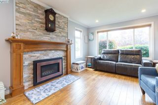 Photo 5: 9624 Barnes Pl in SIDNEY: Si Sidney South-West House for sale (Sidney)  : MLS®# 839845