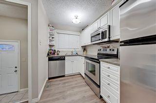 Photo 10: 2039 50 Avenue SW in Calgary: North Glenmore Park Semi Detached for sale : MLS®# C4295796