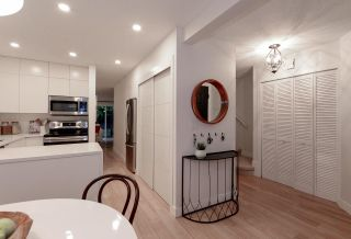 """Photo 6: 28 10111 GILBERT Road in Richmond: Woodwards Townhouse for sale in """"SUNRISE VILLAGE"""" : MLS®# R2525446"""