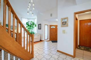 Photo 18: 27 Strathlorne Bay SW in Calgary: Strathcona Park Detached for sale : MLS®# A1120430