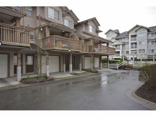 """Photo 3: 72 19250 65TH Avenue in Surrey: Clayton Townhouse for sale in """"SUNBERRY COURT"""" (Cloverdale)  : MLS®# F1302925"""