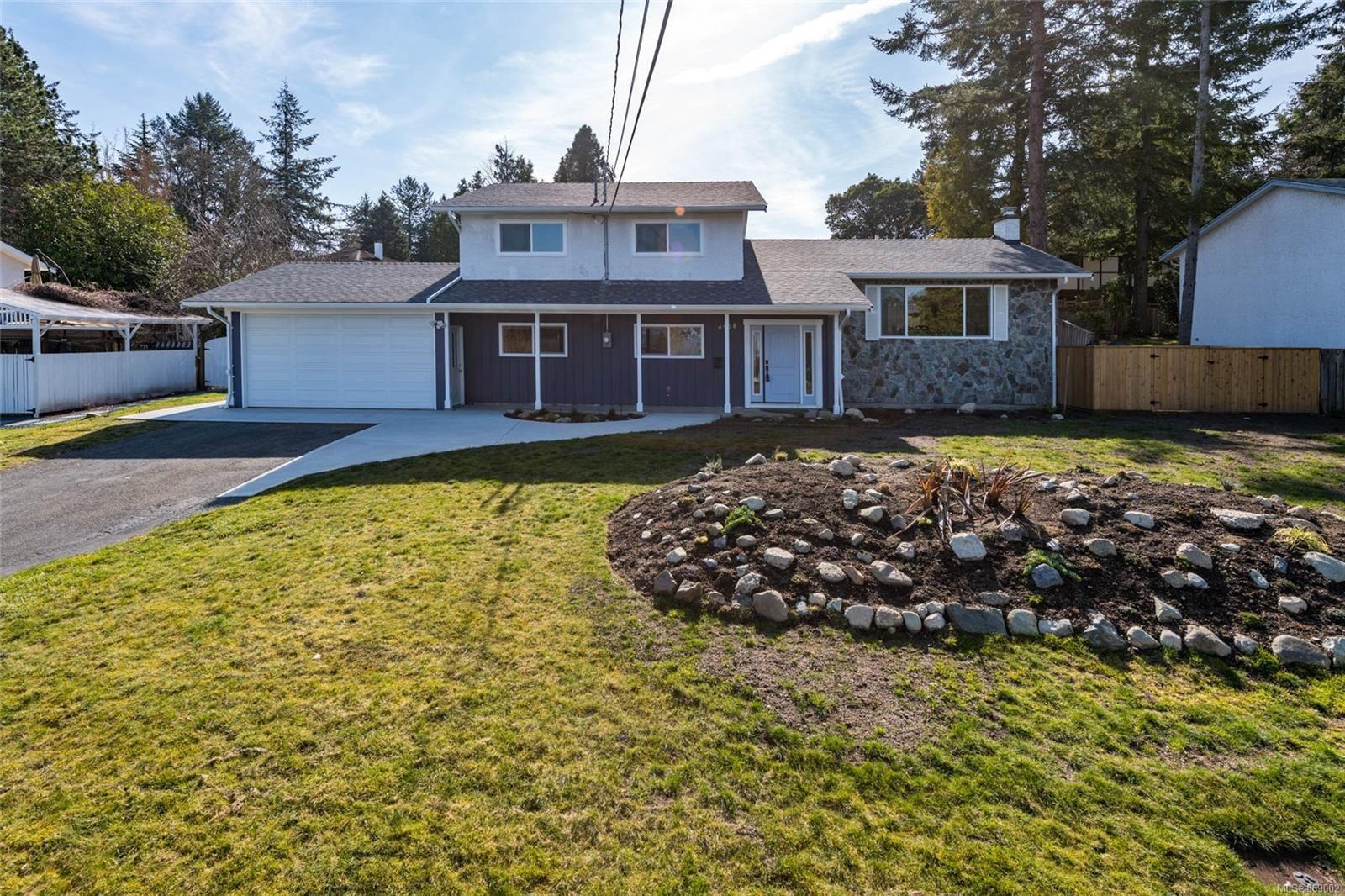 Main Photo: 4568 Montford Cres in : SE Gordon Head House for sale (Saanich East)  : MLS®# 869002