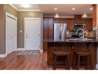 """Photo 4: 308 2068 SANDALWOOD Crescent in Abbotsford: Central Abbotsford Condo for sale in """"The Sterling 2"""" : MLS®# R2525526"""