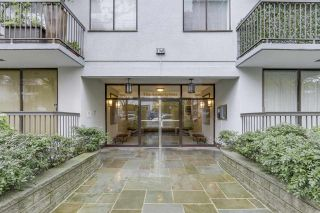 """Photo 14: 904 1146 HARWOOD Street in Vancouver: West End VW Condo for sale in """"Lamplighter"""" (Vancouver West)  : MLS®# R2258222"""