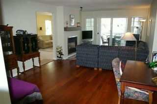 Photo 3: 204 - 1704 56th Street in Tsawwassen: Beach Grove Condo for sale ()  : MLS®# V589938
