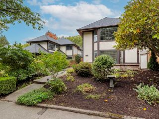 """Photo 2: 3811 W 27TH Avenue in Vancouver: Dunbar House for sale in """"Dunbar"""" (Vancouver West)  : MLS®# R2620293"""