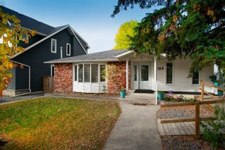 Main Photo: 1319 Windsor Street NW in Calgary: St Andrews Heights Detached for sale : MLS®# A1151029