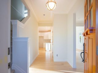Photo 2: 3139 Bowkett Pl in : SW Portage Inlet House for sale (Saanich West)  : MLS®# 856385