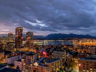 """Photo 4: 2502 550 TAYLOR Street in Vancouver: Downtown VW Condo for sale in """"THE TAYLOR"""" (Vancouver West)  : MLS®# V1071091"""