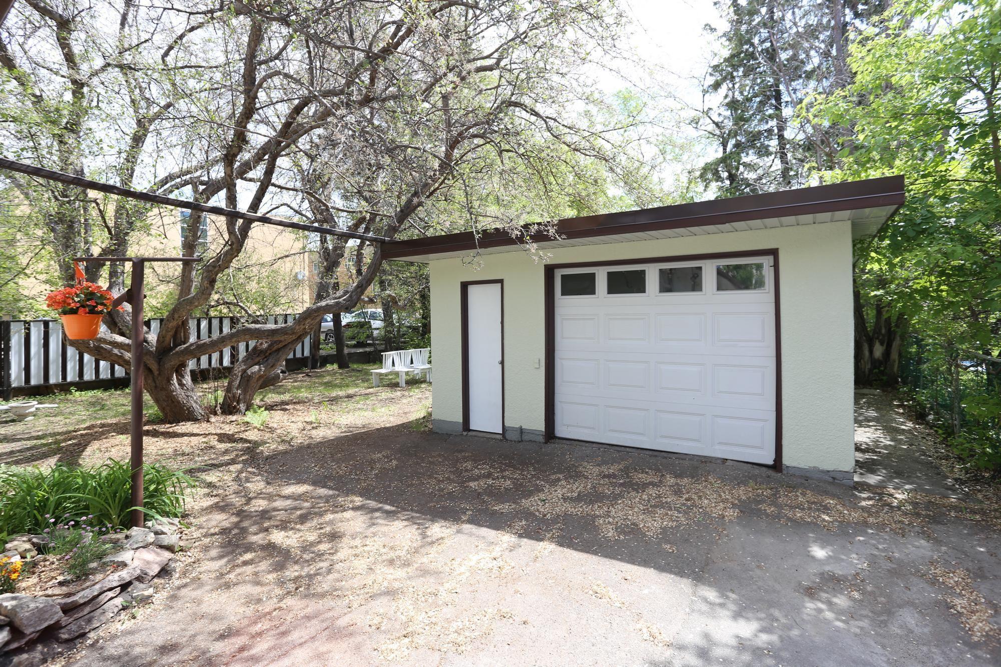 Photo 26: Photos: 290 McLeod Avenue in Winnipeg: North Kildonan Single Family Detached for sale (3F)  : MLS®# 1814938