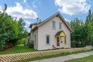 Main Photo: 2417 5 Avenue NW in Calgary: West Hillhurst Detached for sale : MLS®# A1143481