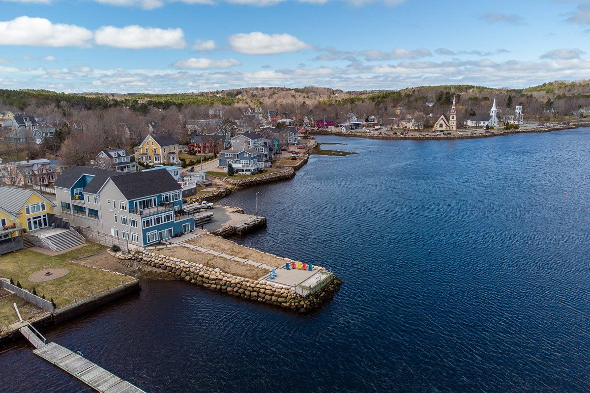 Main Photo: Unit 4 629 Main Street in Mahone Bay: 405-Lunenburg County Residential for sale (South Shore)  : MLS®# 202107603