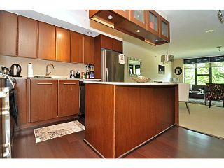 Photo 9: # 402 683 W VICTORIA PK PK in North Vancouver: Lower Lonsdale Condo for sale : MLS®# V1122629