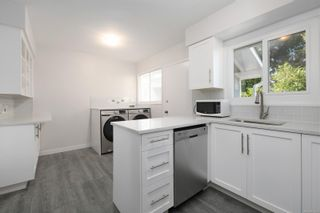 Photo 6: 2940 Foul Bay Rd in : SE Camosun House for sale (Saanich East)  : MLS®# 862693