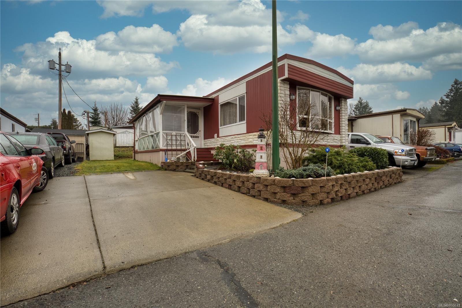 Main Photo: 82 3497 Gibbins Rd in : Du West Duncan Manufactured Home for sale (Duncan)  : MLS®# 866633