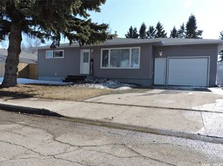 Photo 2: 8 Dalewood Crescent in Yorkton: Residential for sale : MLS®# SK846294