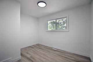 Photo 26: 2445 Elmwood Drive SE in Calgary: Southview Detached for sale : MLS®# A1119973