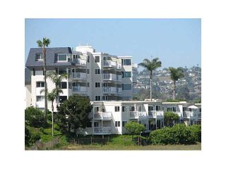 Photo 10: PACIFIC BEACH Condo for sale : 1 bedrooms : 4015 Crown Point Drive #203 in San Diego