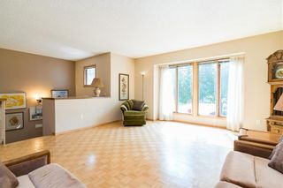 Photo 2: 76 High Point Drive in Winnipeg: All Season Estates Residential for sale (3H)  : MLS®# 202120540