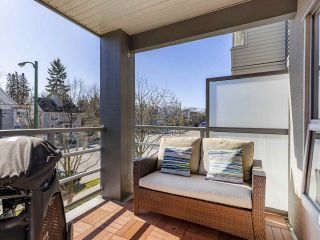 "Photo 18: 302 3161 W 4TH Avenue in Vancouver: Kitsilano Condo for sale in ""Bridgewater"" (Vancouver West)  : MLS®# R2443510"