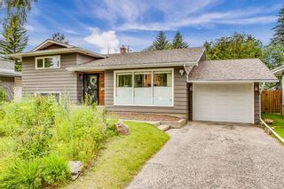 Photo 1: 8023 10 Street SW in Calgary: Chinook Park Detached for sale : MLS®# A1009361