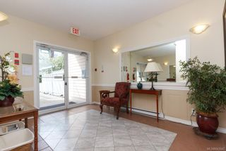 Photo 3: 207 2278 James White Blvd in Sidney: Si Sidney North-East Condo for sale : MLS®# 843942
