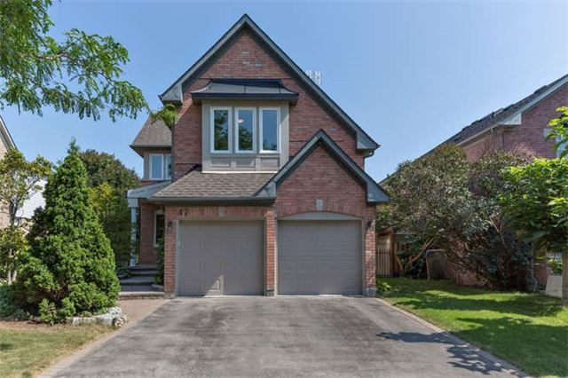 Main Photo: 47 Wetherburn Drive in Whitby: Williamsburg House (2-Storey) for sale : MLS®# E3308511